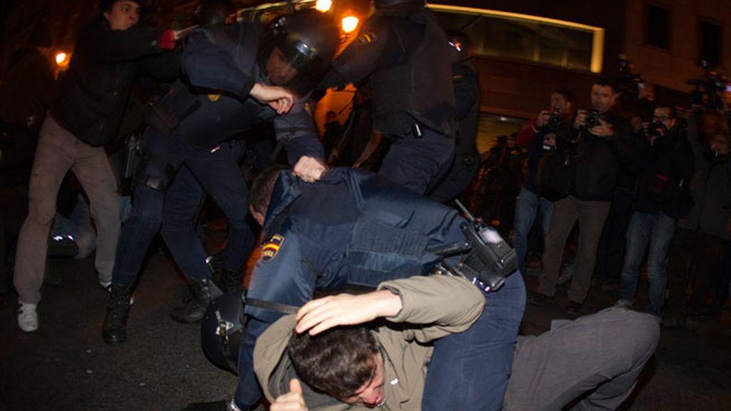 Protestas indignadas contra la reforma laboral