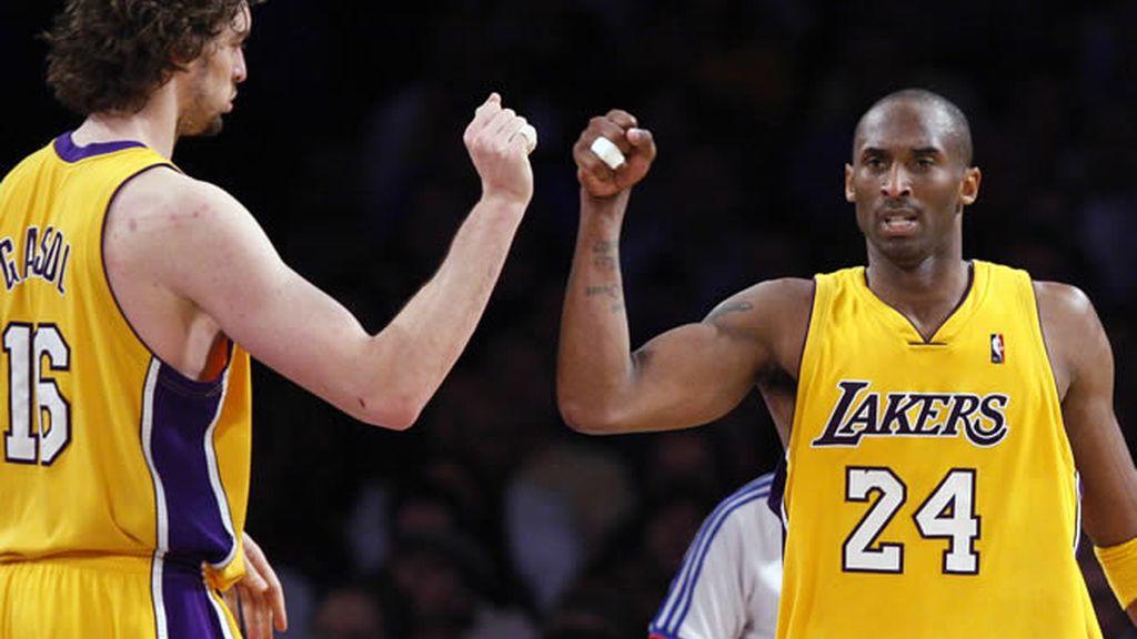 Pau Gasol y Kobe Bryant completaron un partido soberbio