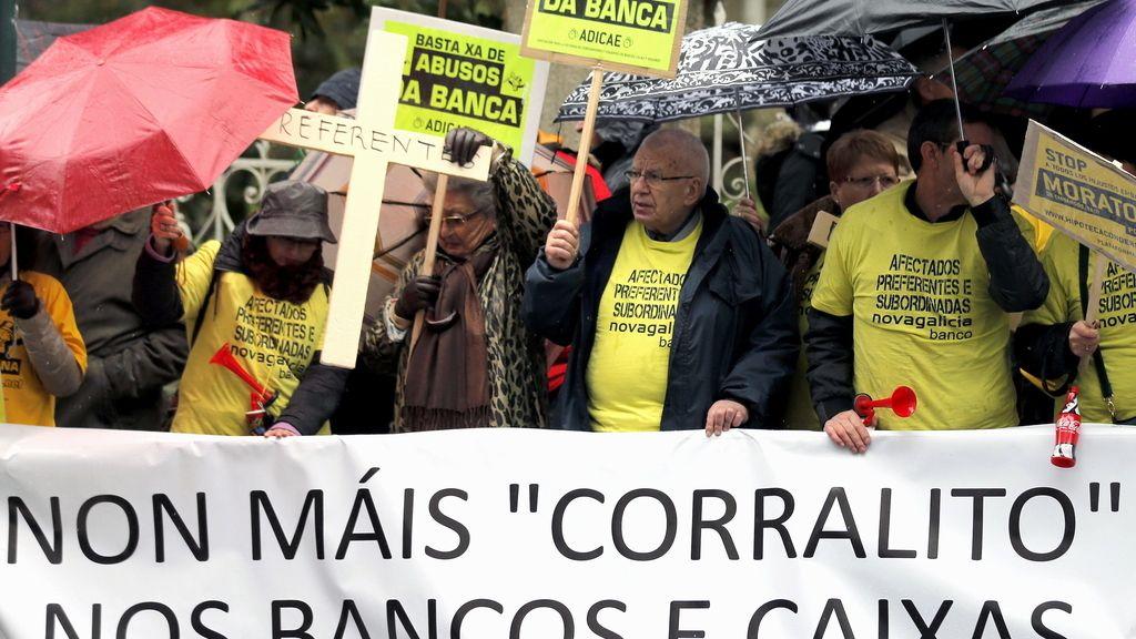 Los afectados por las prefentes protestan por toda España