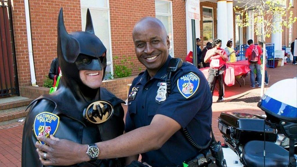 Muere Lenny B. Robinson, el Batman que visitaba a los niños hospitalizados