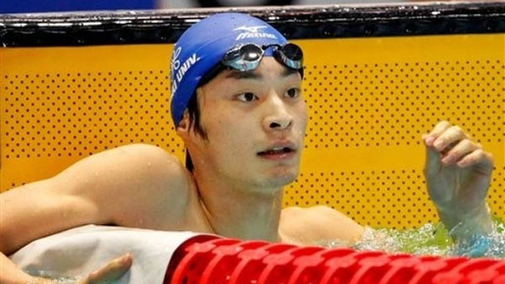 Ryosuke Irie vence en la categoría de 50 metros espalda
