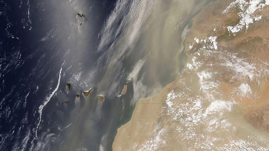 La NASA captura la espectacular tormenta de arena que viajó desde las Canarias a EEUU