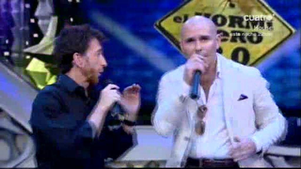 Pitbull canta el 'Torito bravo'