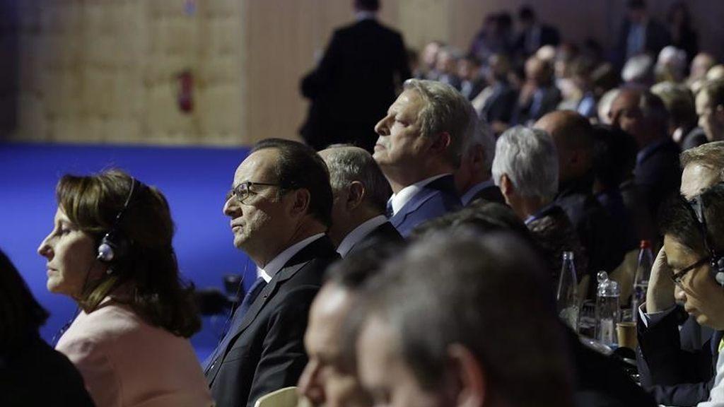 Los países negociadores en París aprueban el borrador del acuerdo climático