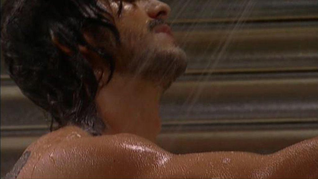 Mario en la ducha