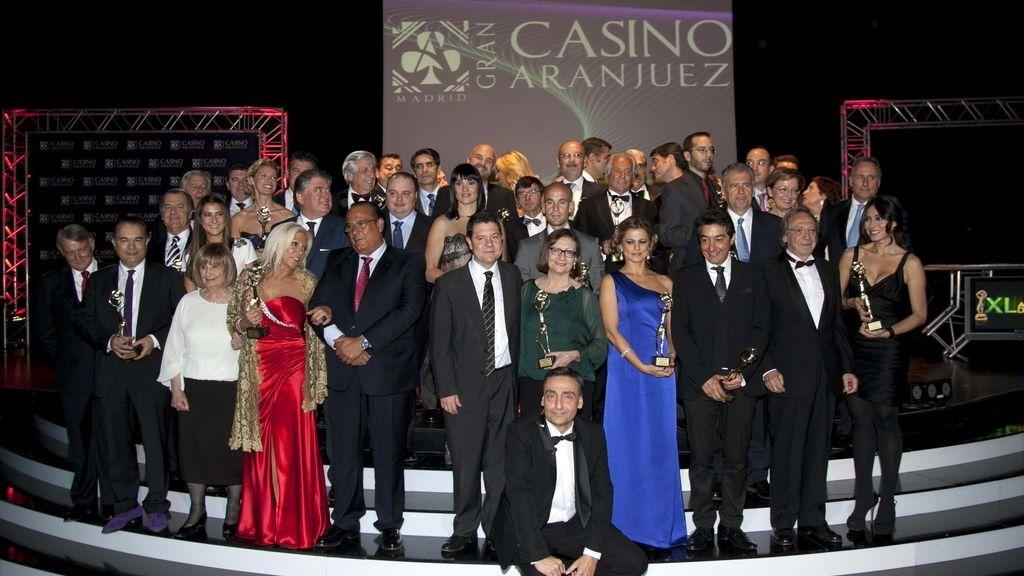 Los premiados con la Antena de Oro 2012, en la cena de gala en la que se entregaron los galardones. Foto: EFE