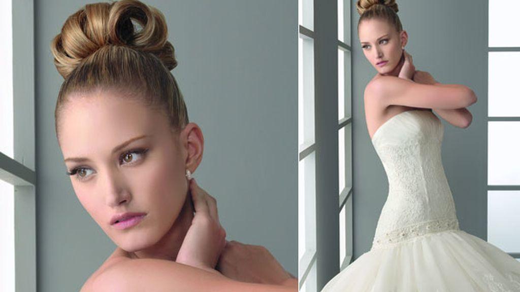 Alba se enfundó un vestido de novia para Aire Barcelona