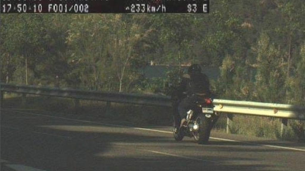 Imputados dos motoristas por ir a más de 200 kilómetros por un tramo de 90