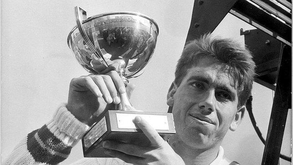 Manolo Santana, primer español en ganar Roland Garros en 1961