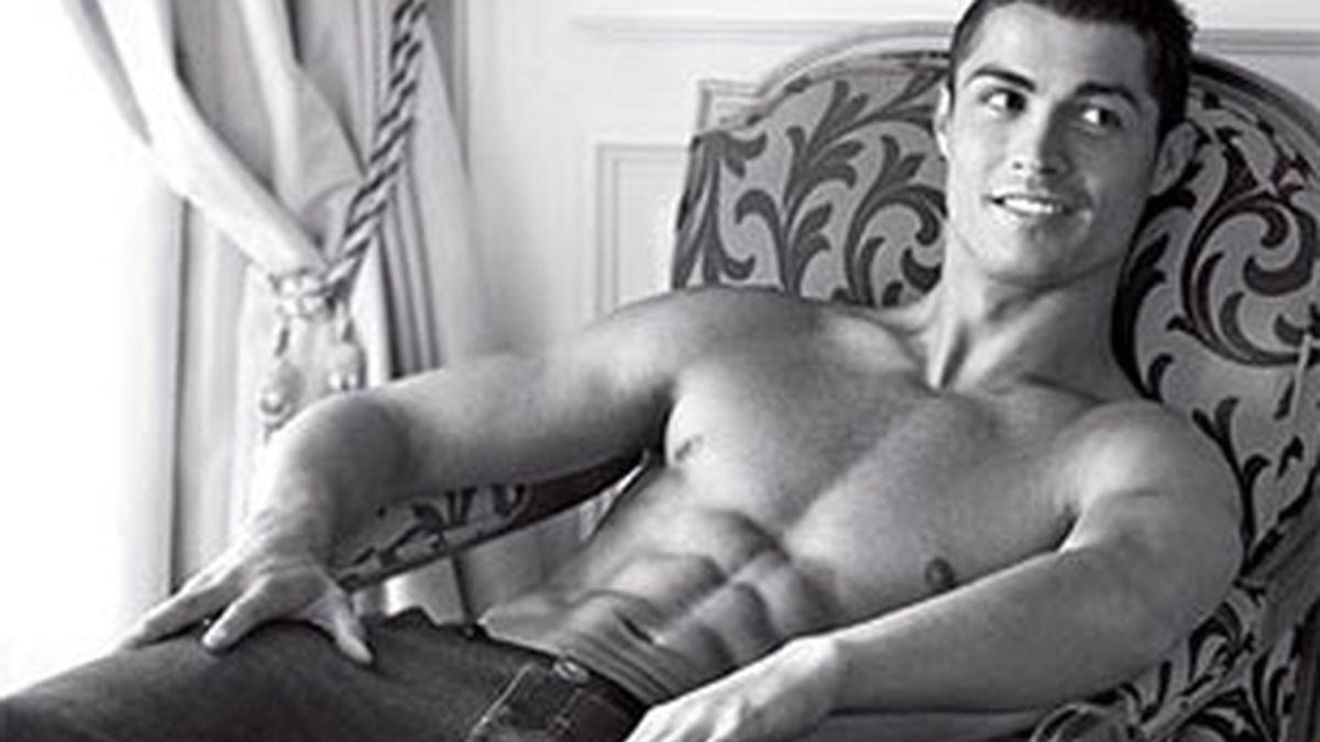 Cristiano Ronaldo, un papa de lo más sexy. Foto: Armani
