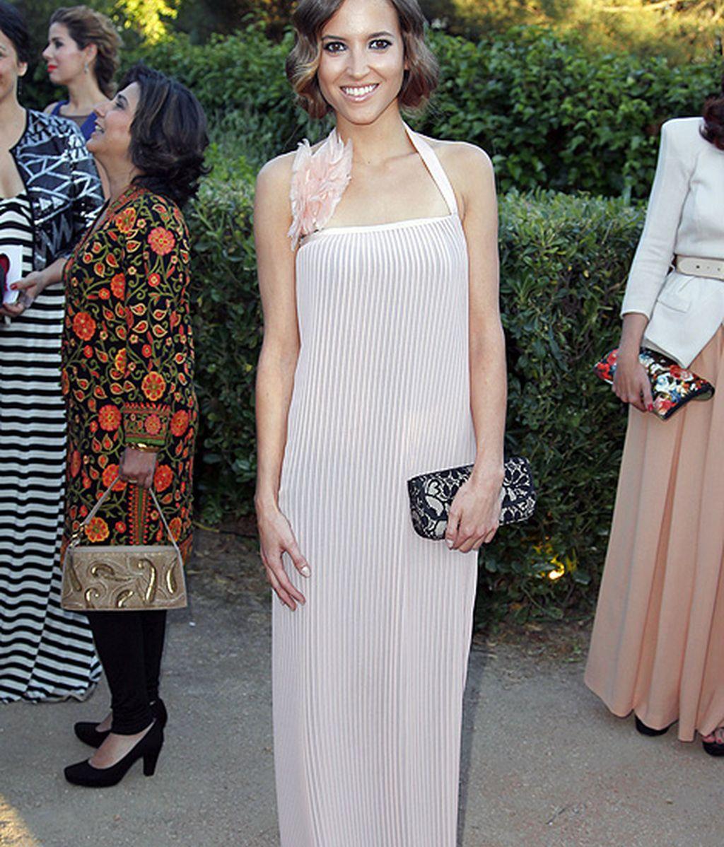 Ana Fernández eligió un vestido de inspiración charlestón