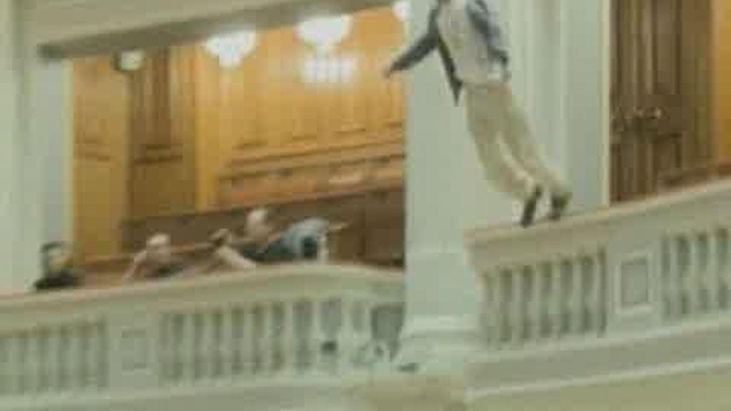 Intento de suicidio en el parlamento rumano