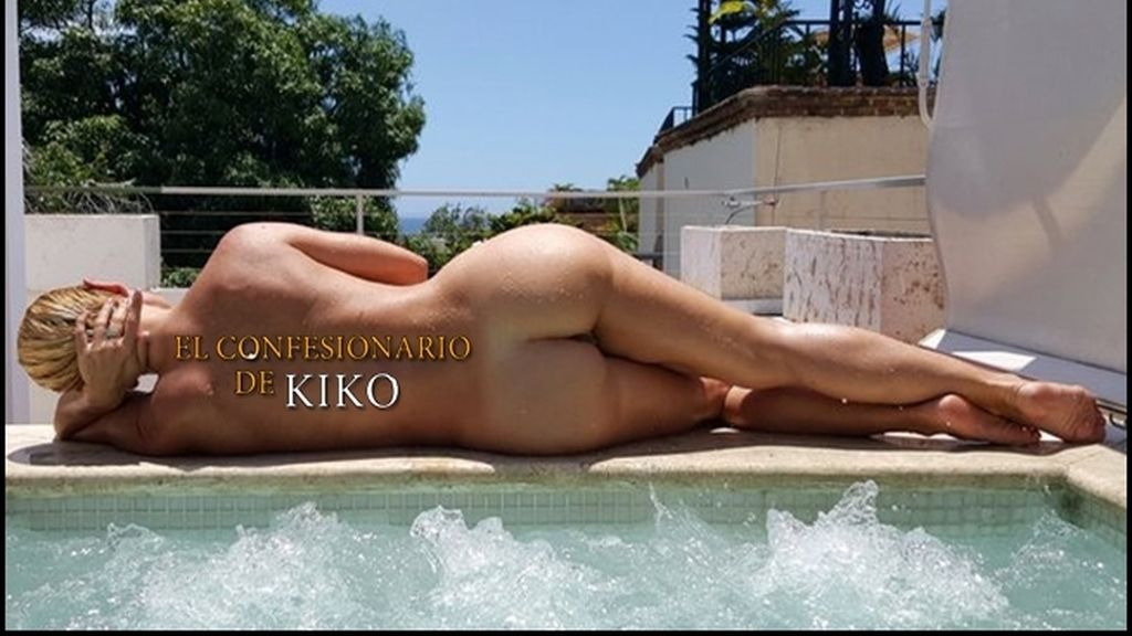 La famosa vedette francesa muestra su cuerpo sin pudor