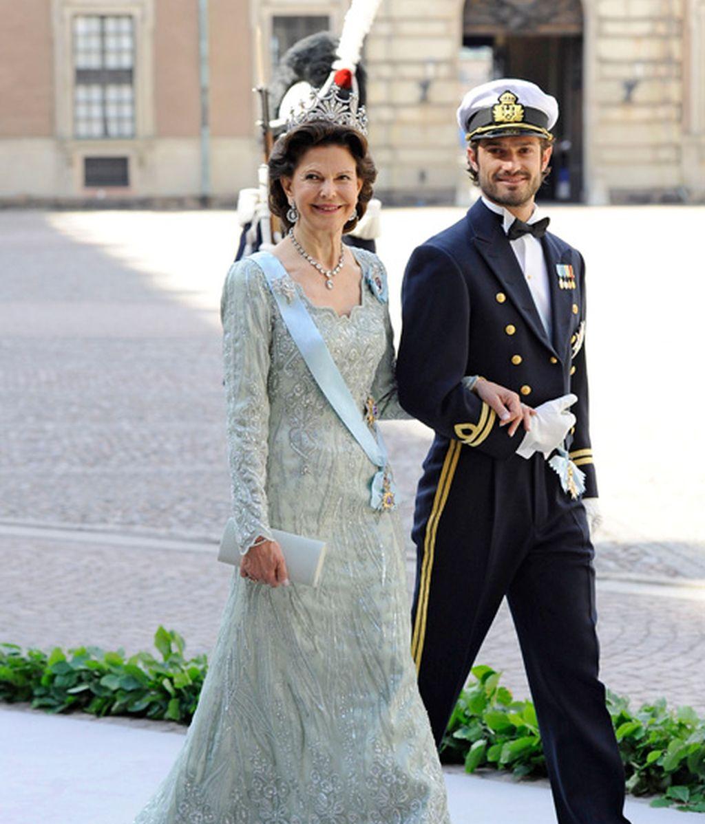 La reina Silvia, con su hijo Carlos Felipe