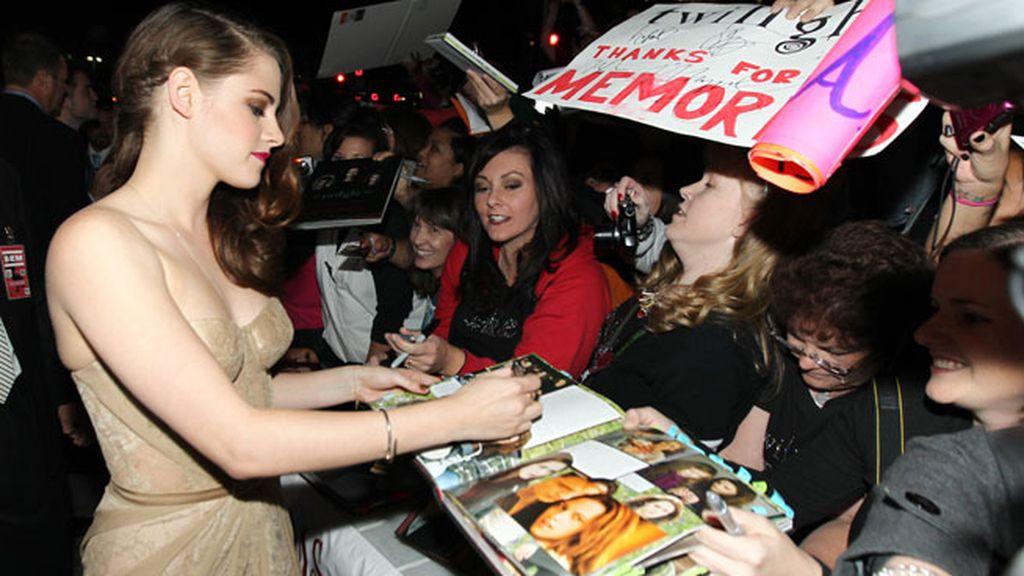 Kristen atiende a sus fans