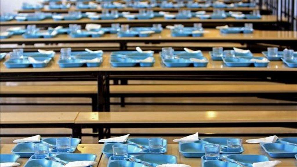 Los trabajadores de los comedores escolares de Cádiz se suman a la ...
