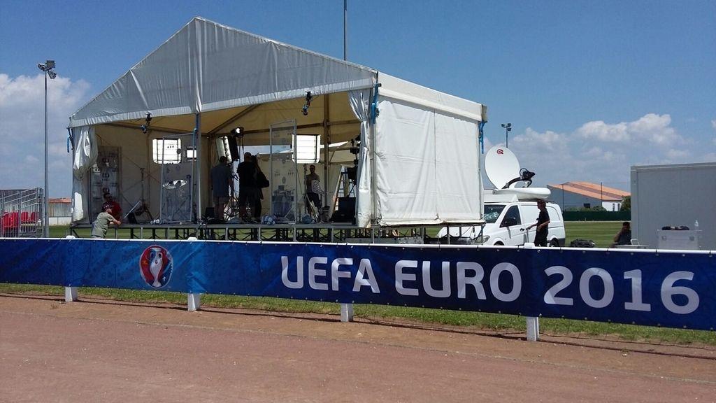 El equipo de Mediaset ya está en Francia para apoyar a la selección en la Eurocopa