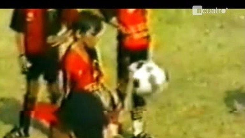 Así jugaba Leo Messi al fútbol con 10 años