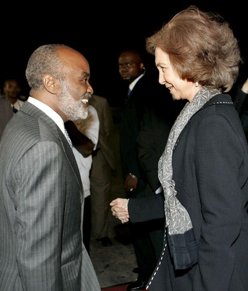 La Reina visita Haití