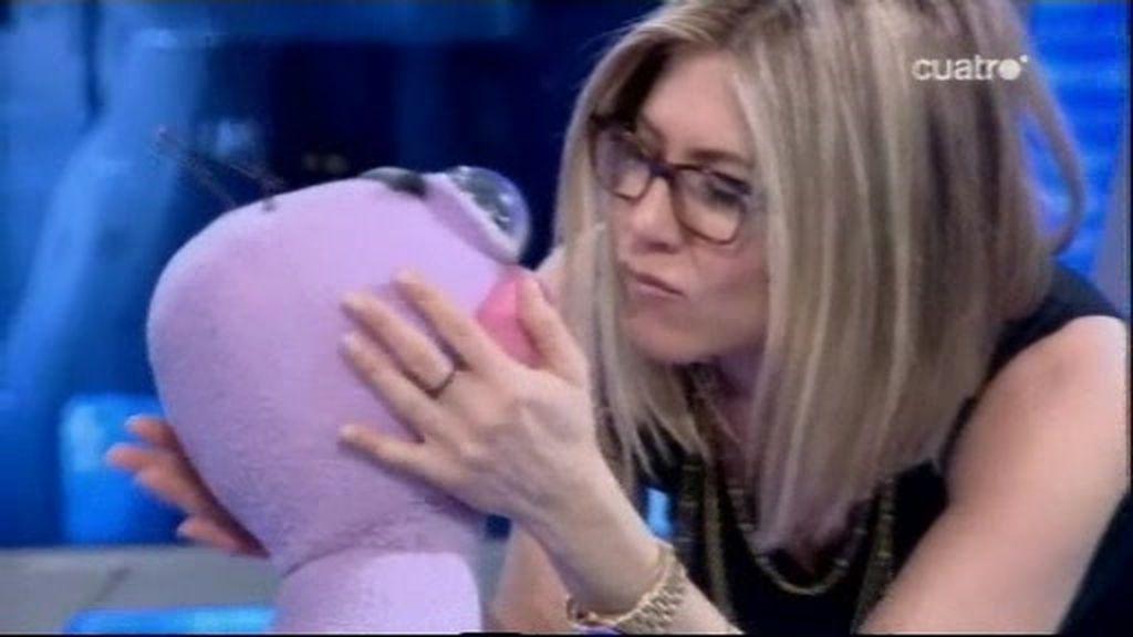 Jennifer Aniston besó a Trancas...y Adam Sandler a Barrancas!!