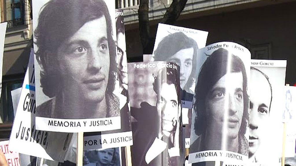Manifestación en protesta por los niños robados en España entre los años 60 y 80