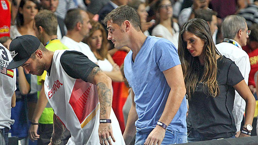 Sara Carbonero, Casillas y Sergio Ramos se marchan tras la derrota