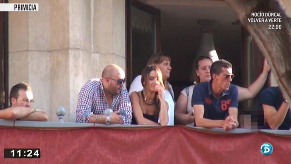 La joven ha compartido balcón con Chabelita, Alberto y el pequeño Francisco