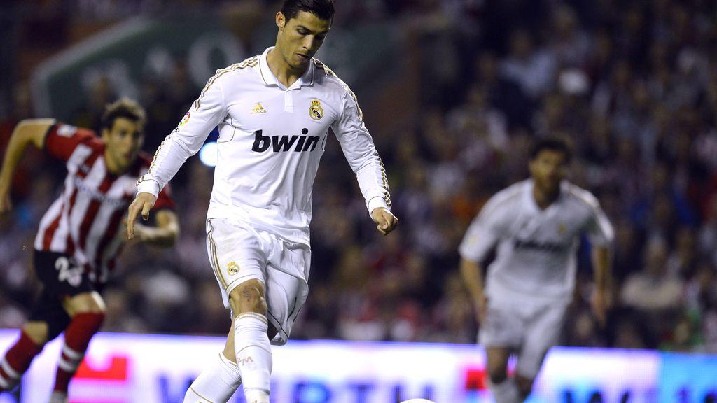 Cristiano Ronaldo falla la pena máxima