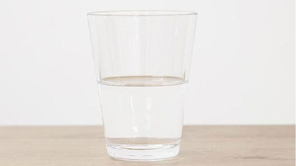 'Vaso de agua medio lleno', 2006