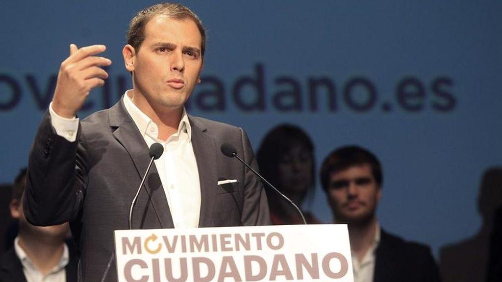 """El 'Movimiento Ciudadano' de Albert Rivera irá a las urnas si Gobierno y oposición siguen """"sin hacer nada"""""""