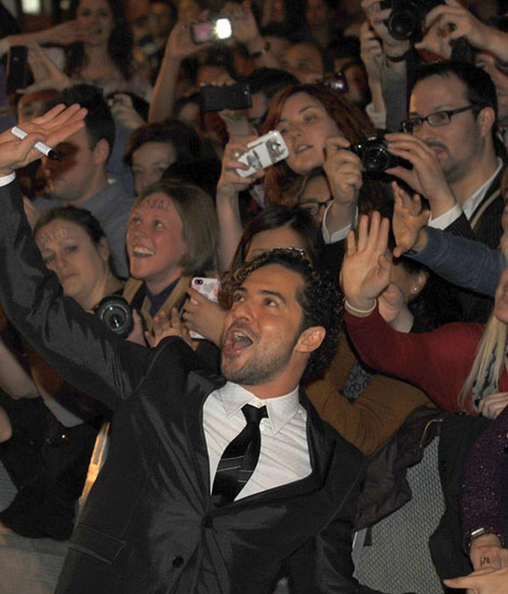 David Bisbal se rodeó de sus fans