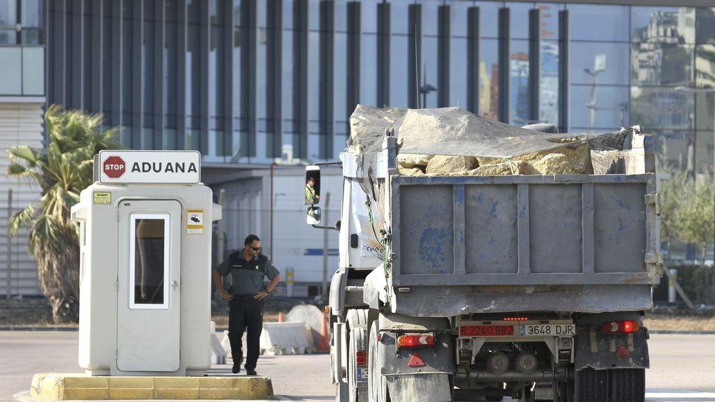 Prohíben la entrada de camiones con piedras en Gibraltar