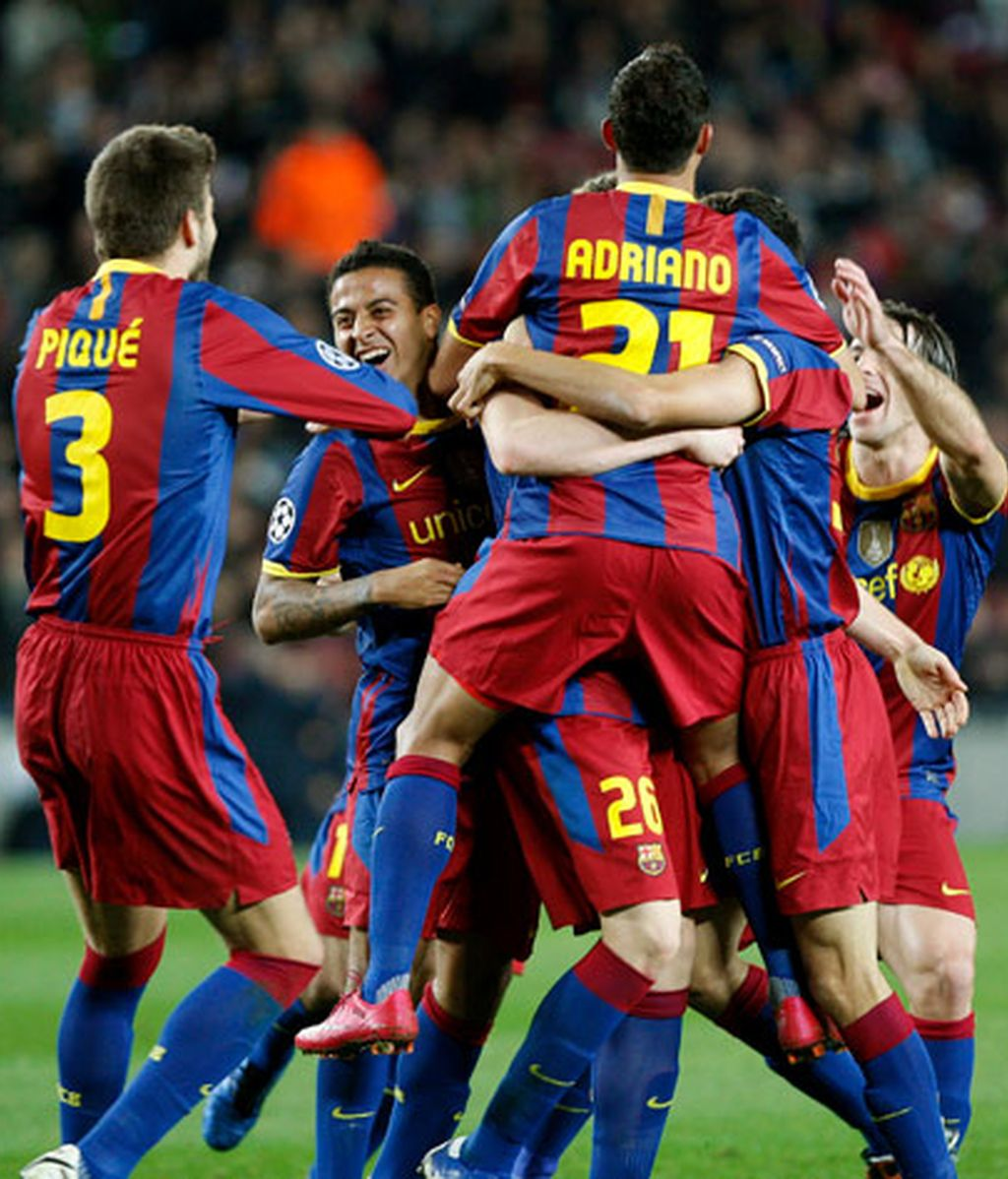 Los jugadores del FC Barcelona celebran el gol marcado por el centrocampista Andreu Fontás. Foto: EFE.