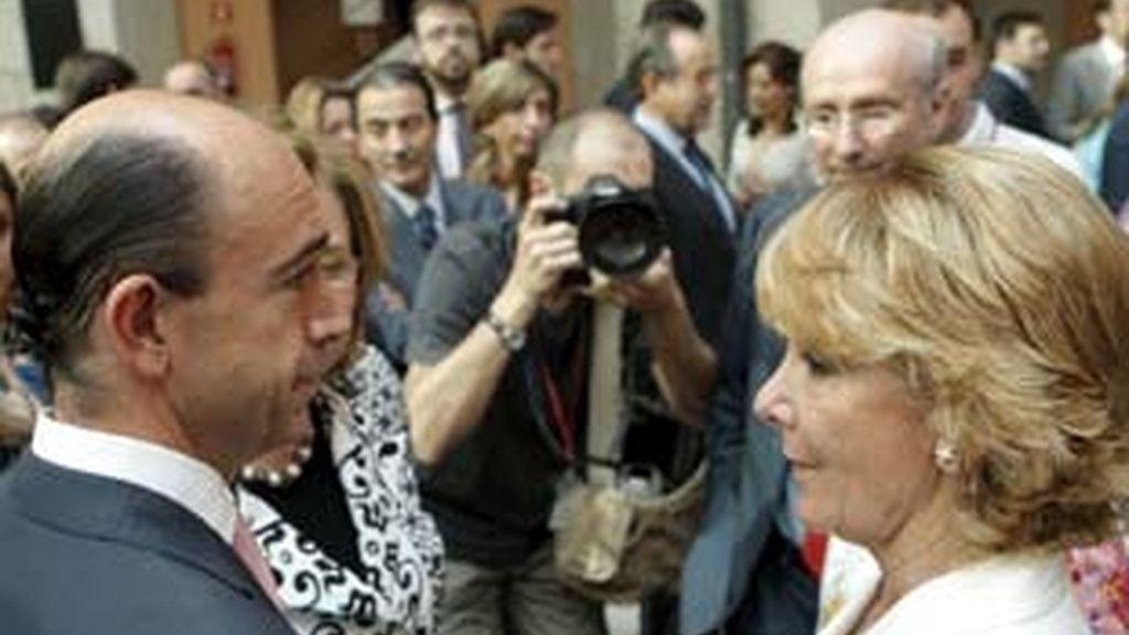 Esperanza Aguirre se justifica con la crisis económica. Video: Atlas
