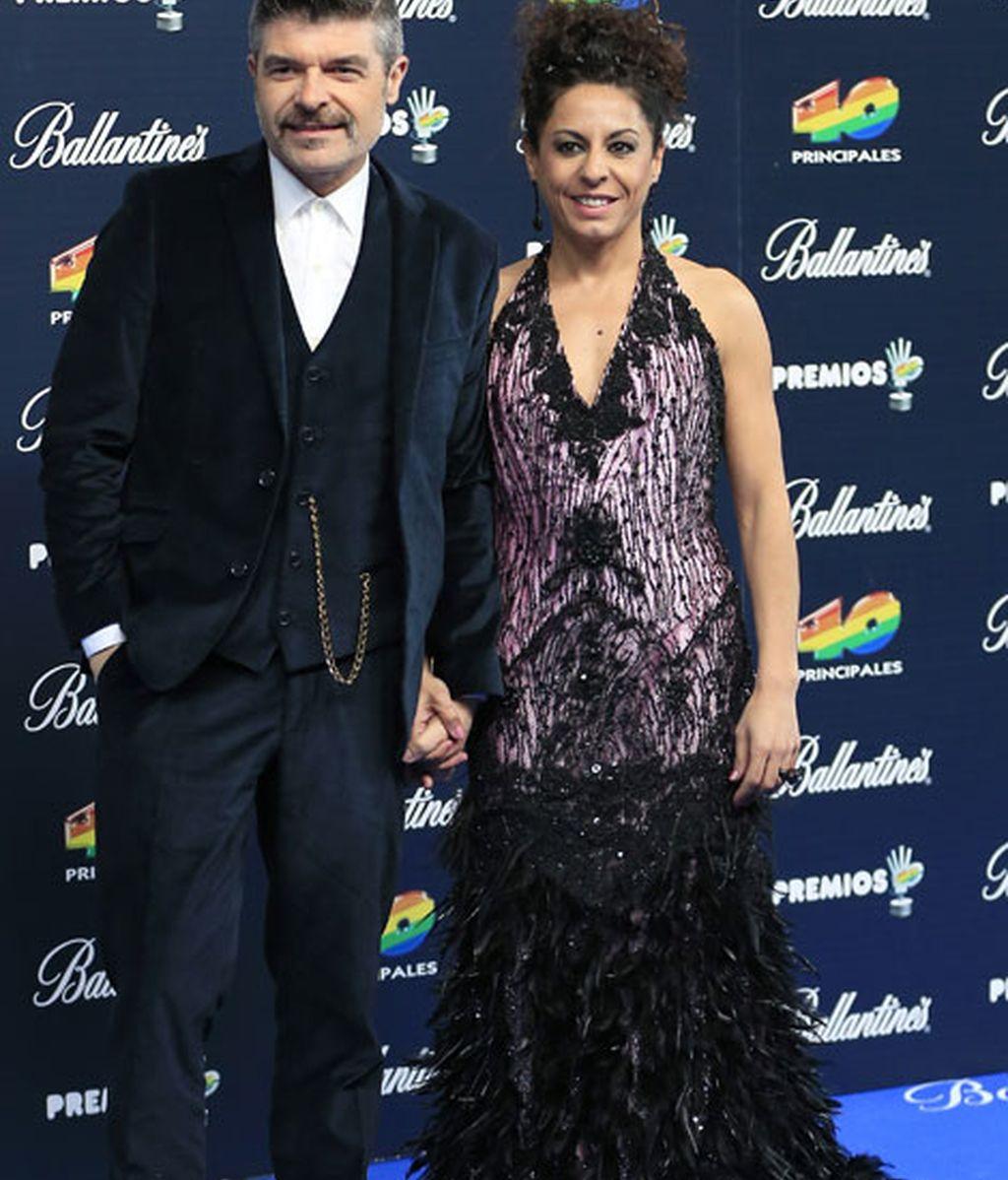 Los invitados eligieron colores oscuros para sus estilismos