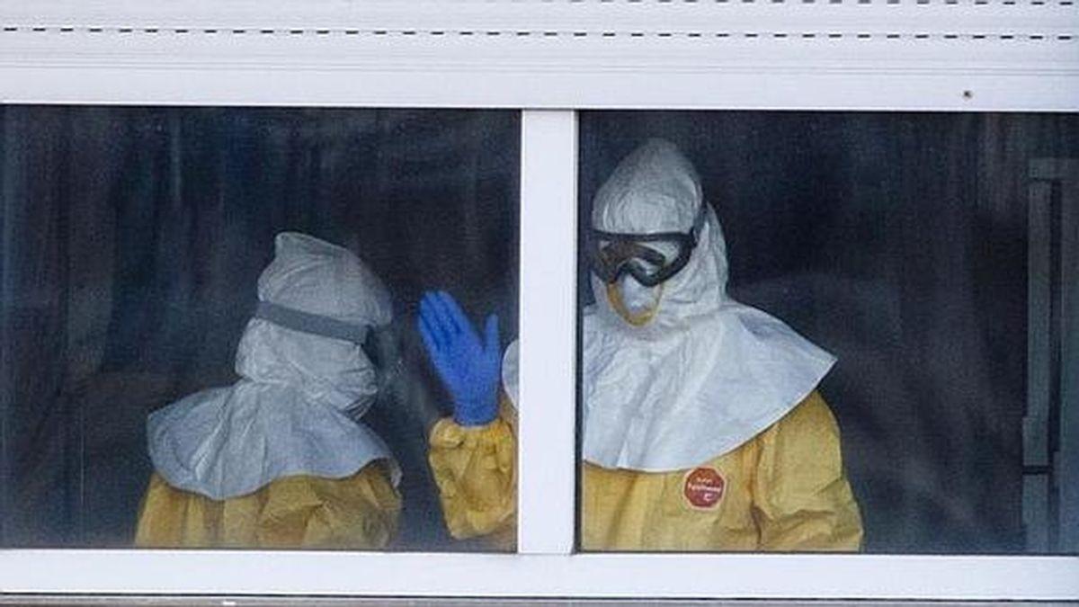 Enfermeras en el Carlos II. Foto: REUTERS