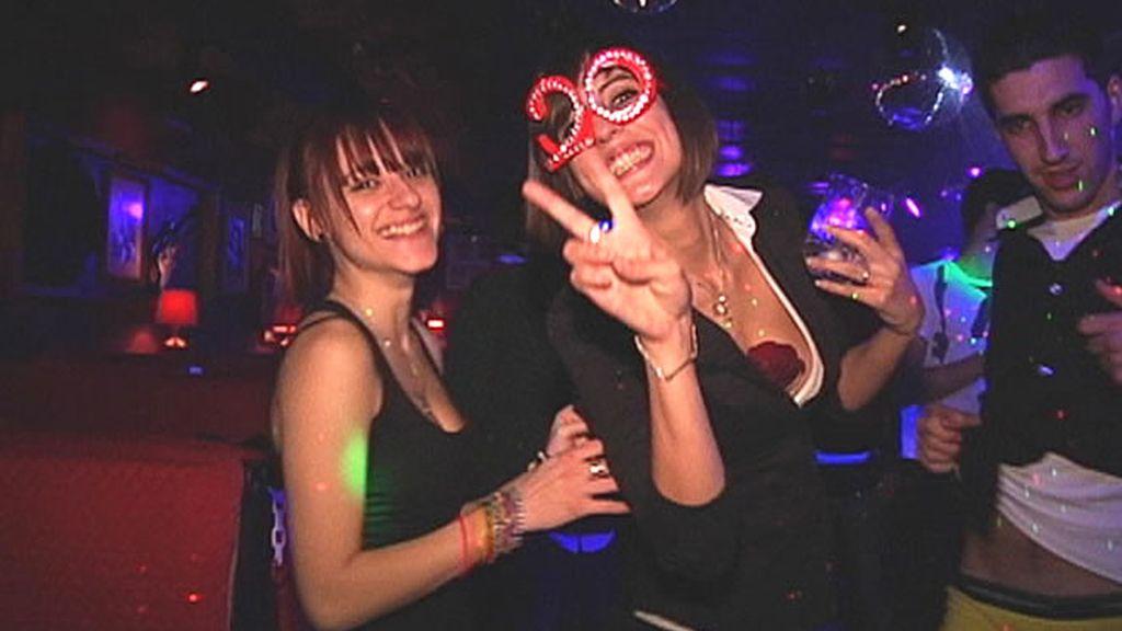 Disfrutando del baile en la discoteca