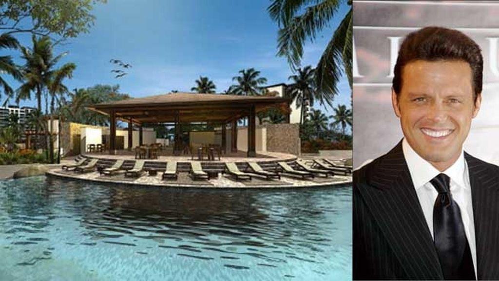 Luis MIguel tiene en Acapulco La Isla Acapulco Resort & Spa