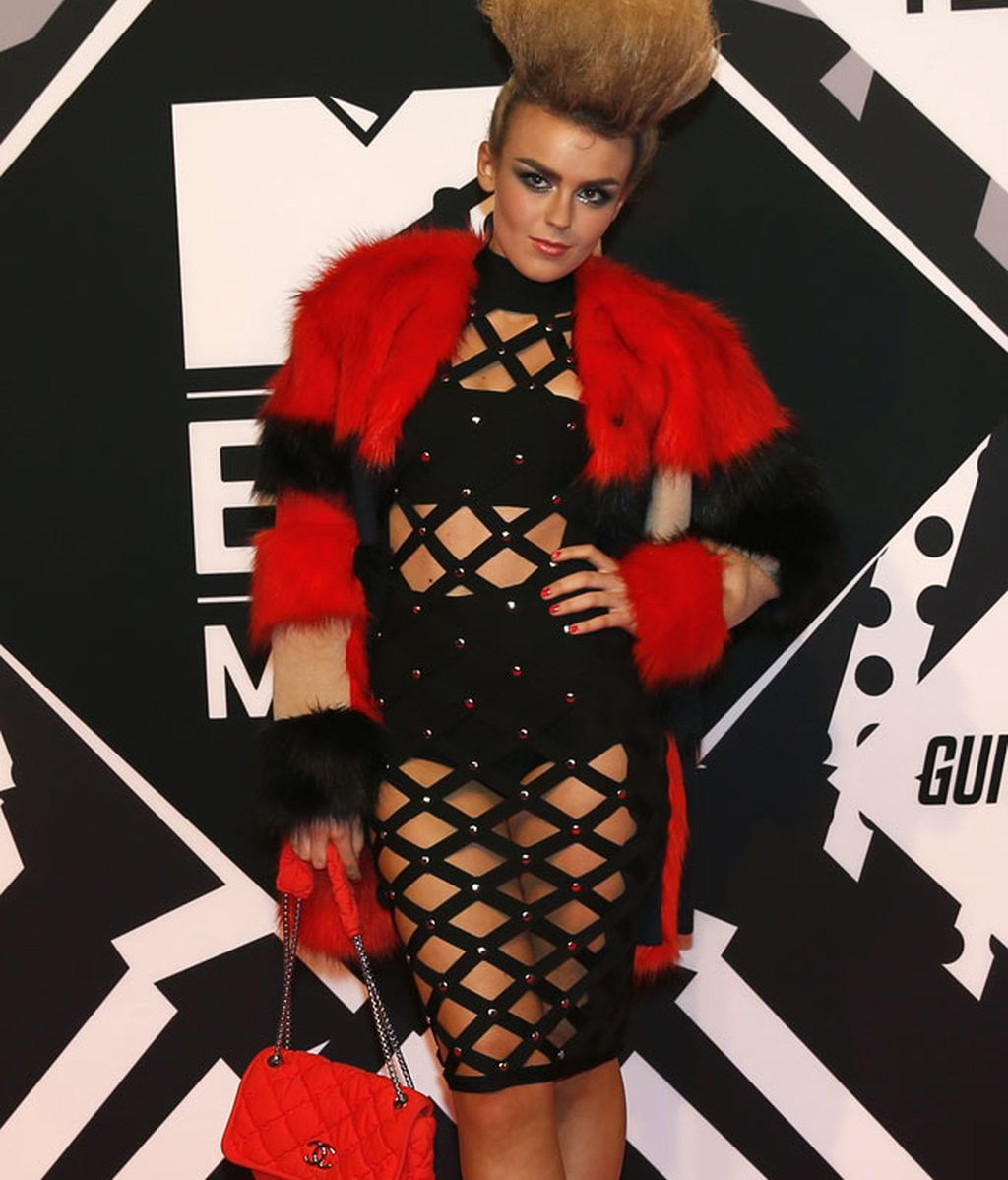 Tallia Storm, excéntrico look de House of Cb