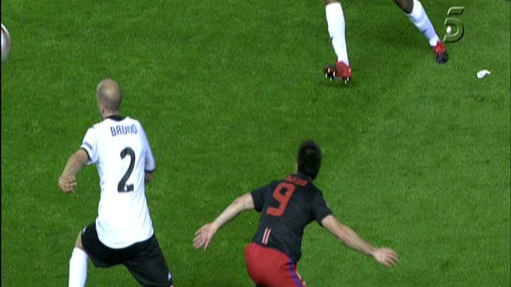 Mucha acción en la primera parte y ningún gol