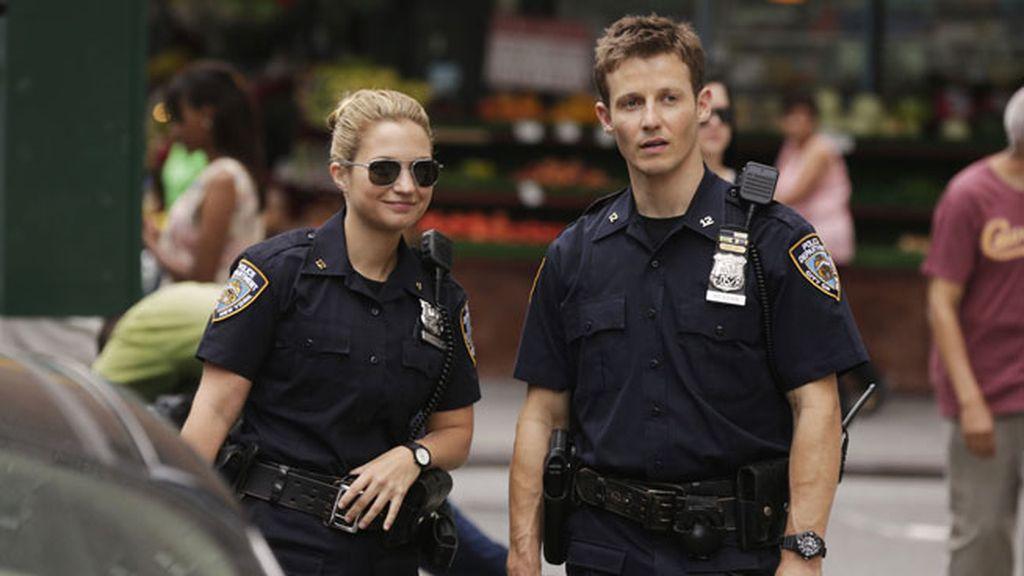 Controversias, ostracismo policial y...¡besos! en esta temporada