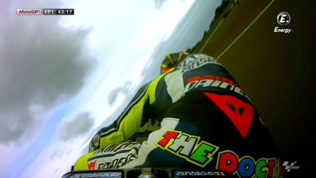 Valentino Rossi durante los libres