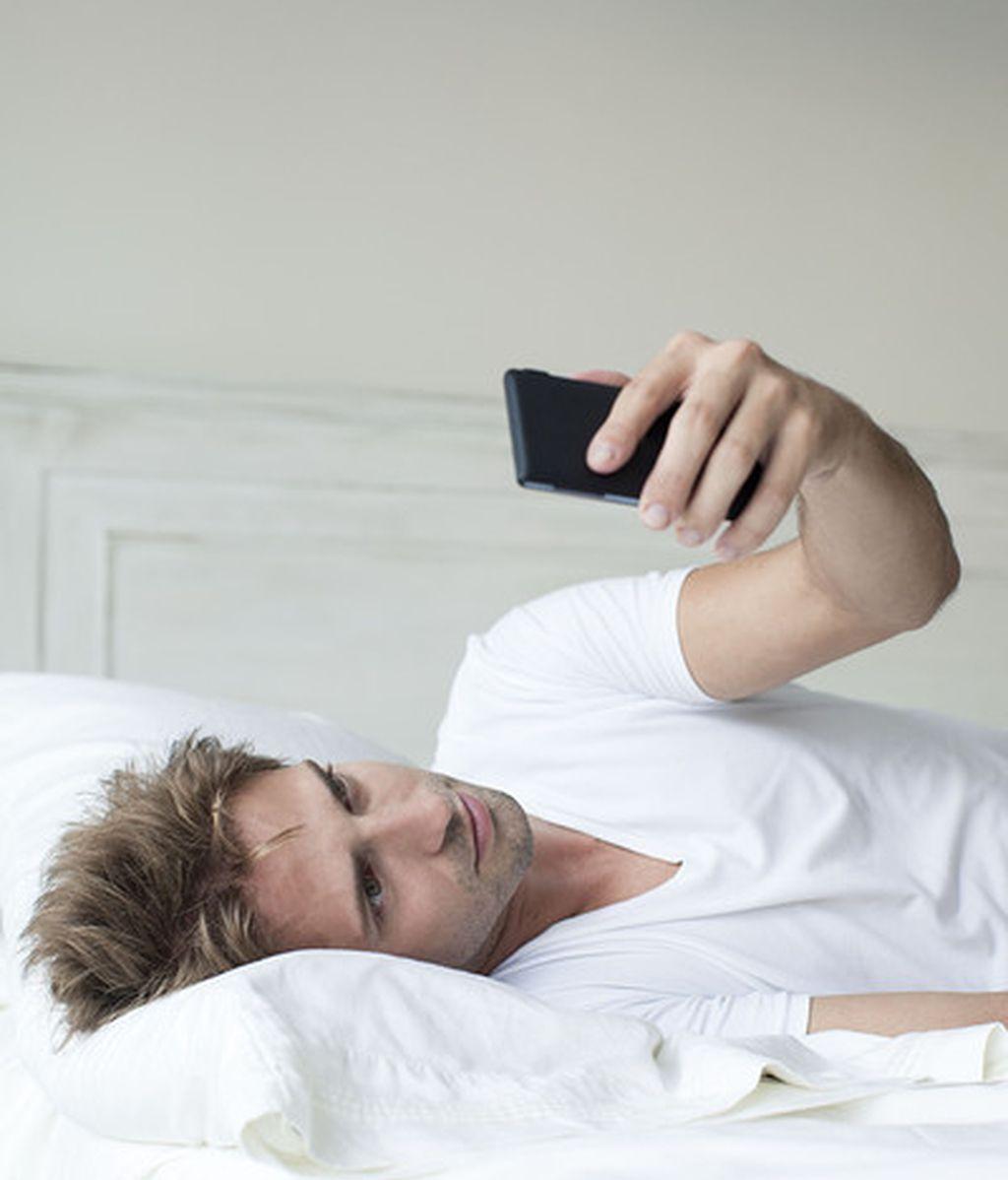 No es bueno usar el móvil antes de dormir