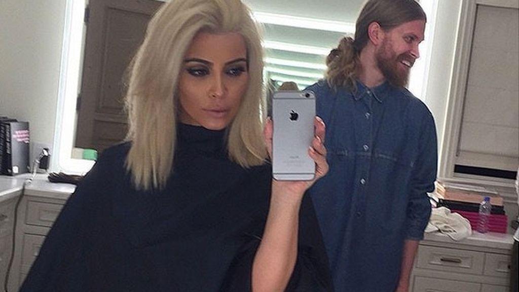 Kim, de rubio platino