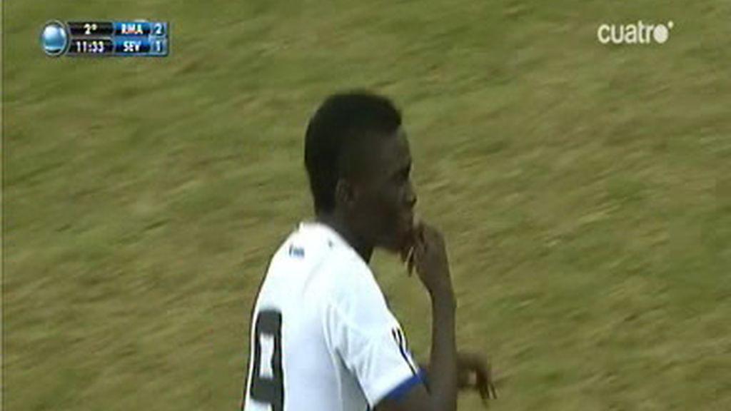 Antonio marcó un golazo de falta directa