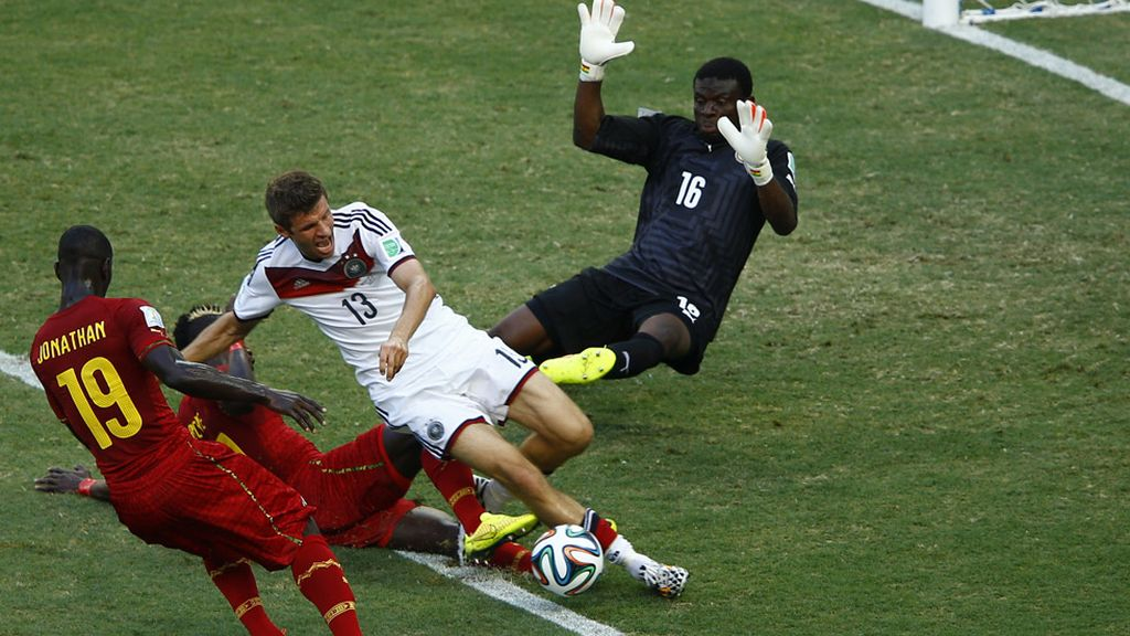 Müller lo intentó todo en la primera parte