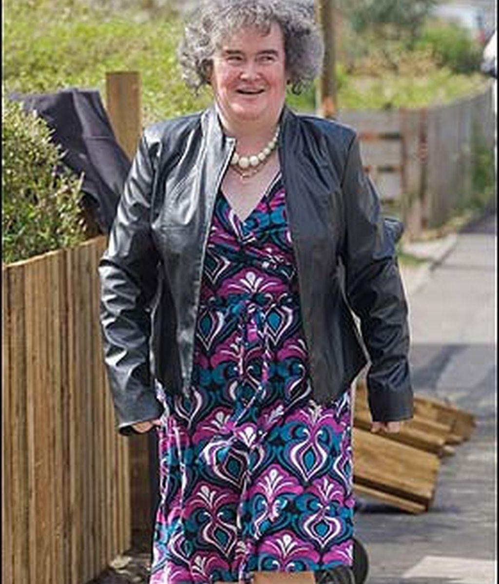 Susan Boyle ha modernizado su vestimenta. Foto: The Sun