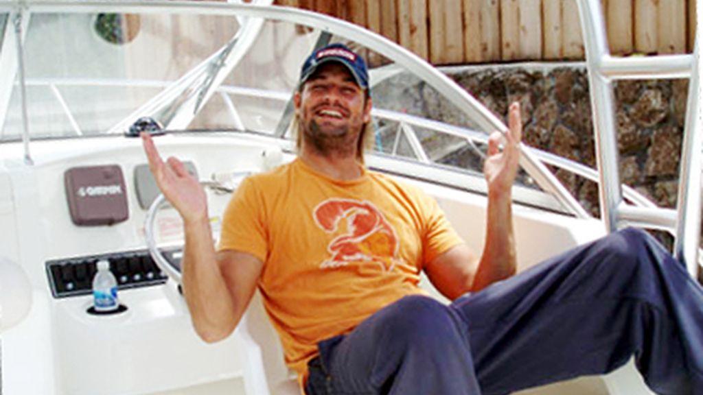 El barco de Josh Holloway