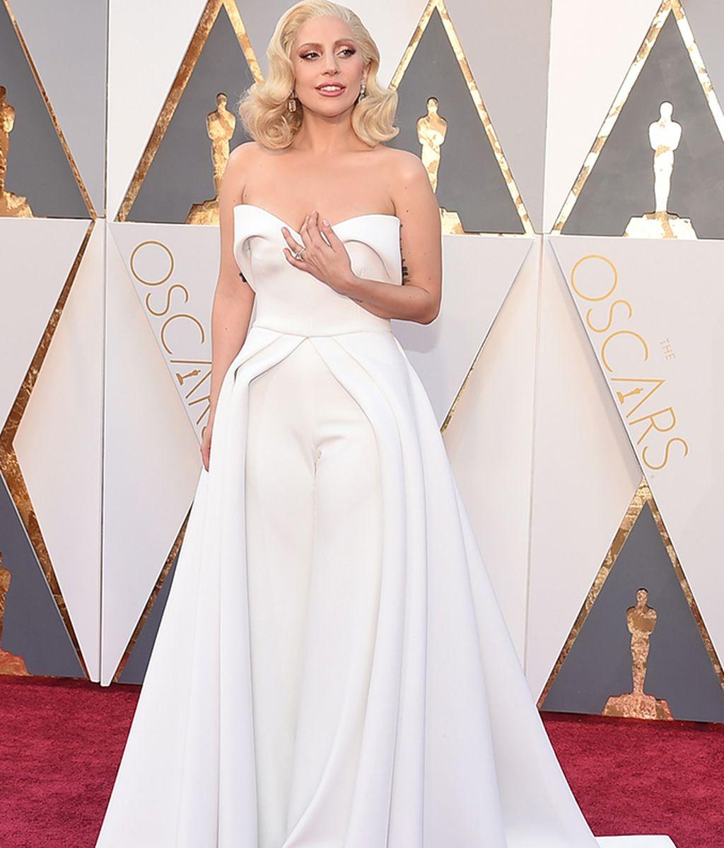 Lady Gaga vestida de Brandon Maxwell
