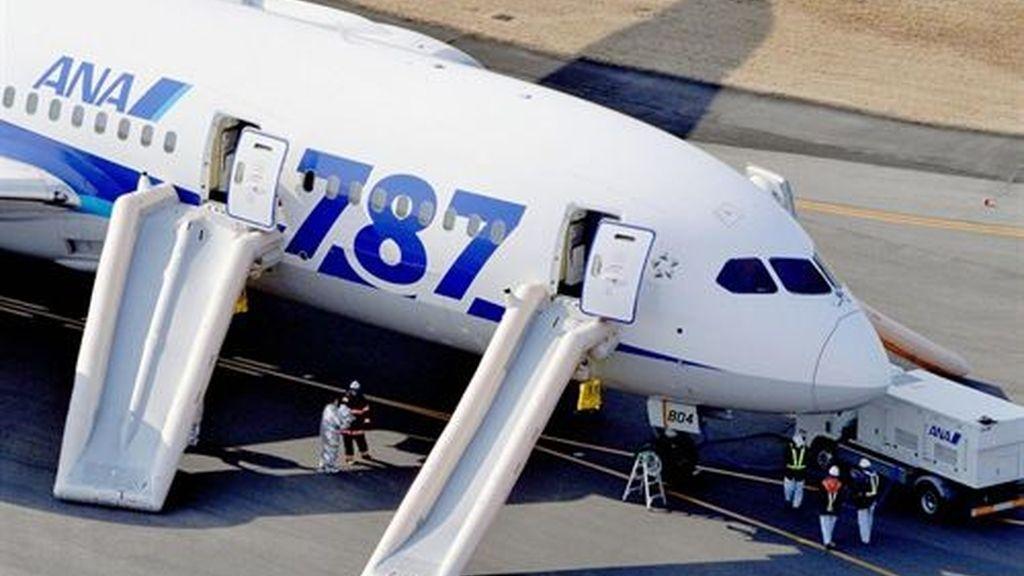 Un Boeing 787 aterriza de emergencia en Japón